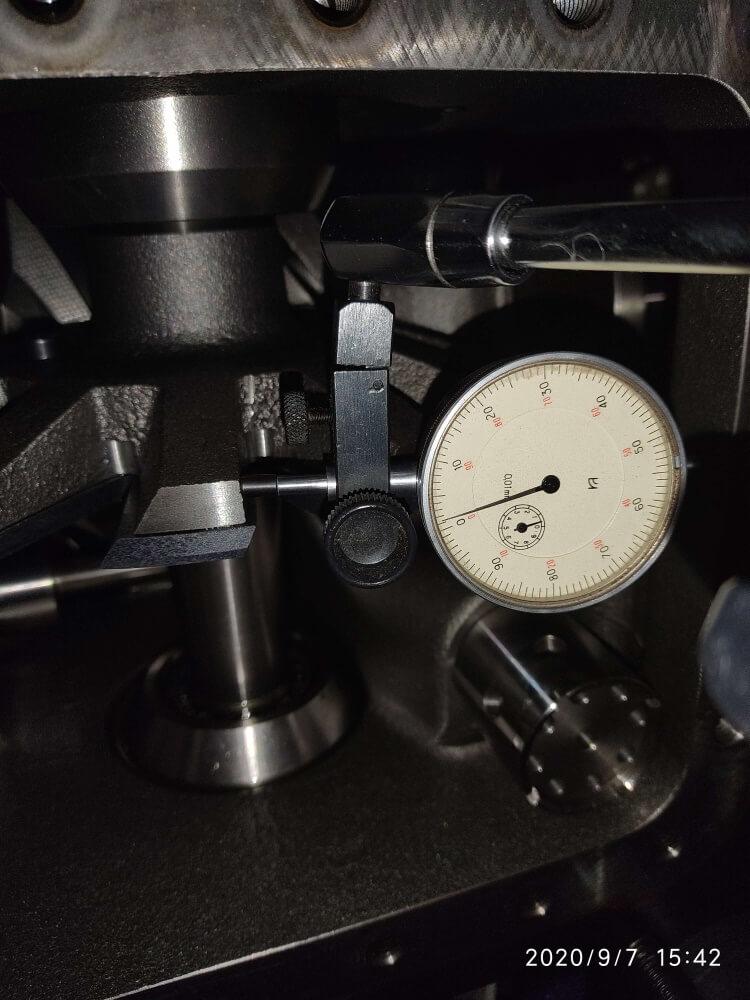Измерение зазоров в винтовом компрессоре чиллера